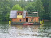 hausbootferien in schweden extravagante hausboote sind nicht billig familienurlaub. Black Bedroom Furniture Sets. Home Design Ideas